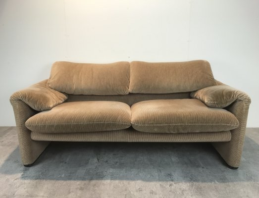 Model 675 Maralunga sofa by Vico Magistretti for Cassina, 1990s