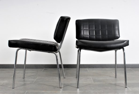Set of 2 black leatherette 'Conseil' chairs by Pierre Guariche for Meurop