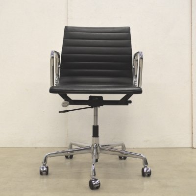 Leather EA117 office chair by Charles & Ray Eames for Vitra, 1990s