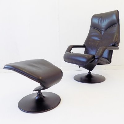 Berg Furniture black leather armchair with ottoman