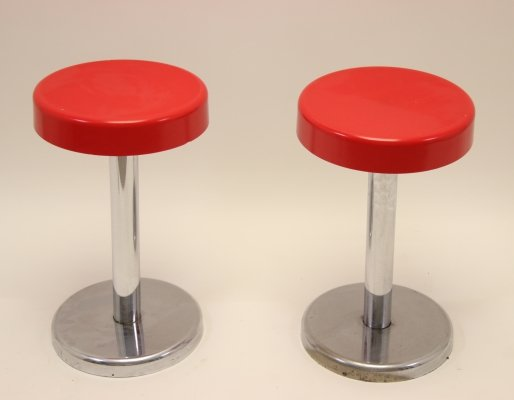 Set of 2 stools in chrome with red seat, 1960s