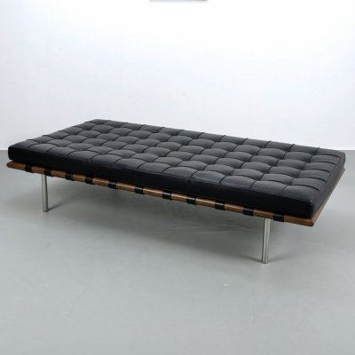 Iconic Barcelona daybed by Ludwig Mies van der Rohe for Knoll int