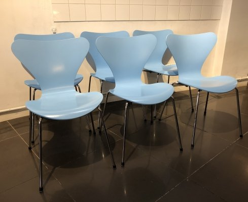Set of 6 Azur Blue 'Series 7' Chairs by Arne Jacobsen for Fritz Hansen, 1998