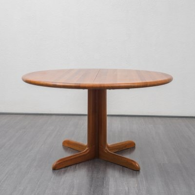 Danish 1970s extendable teak dining table