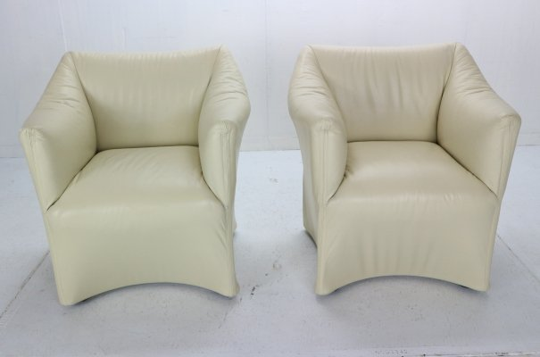 Pair of Leather Lounge Armchairs by Mario Bellini for Cassina, 1970s