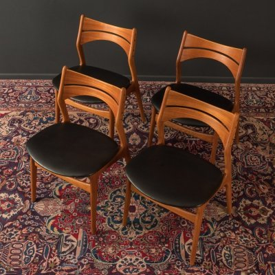 Set of 4 dining room chairs by Erik Buch, 1960s