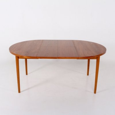 Nils Jonsson for Troeds Teak round table with 2 removable extensions, 1960's