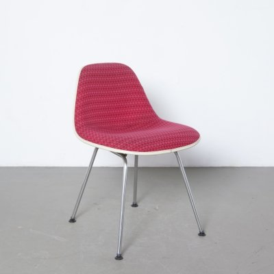 Red MSX chair by Charles & Ray Eames for Herman Miller