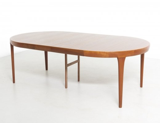 Round Dining Table with Two Extensions by Ib Kofod-Larsen, Denmark 1960's