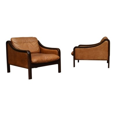 Pair of Italian armchairs in tan leather, Italy 1950's