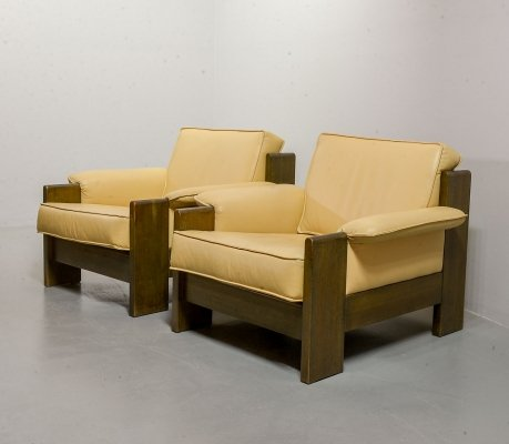 Leolux Biscuit Colored Leather & Oakwood Lounge Chairs by Harry de Groot, 1970