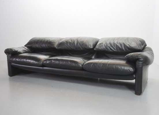 Cassina Black Leather 3-Seat Sofa 'Maralunga' by Vico Magistretti, Italy 1970s