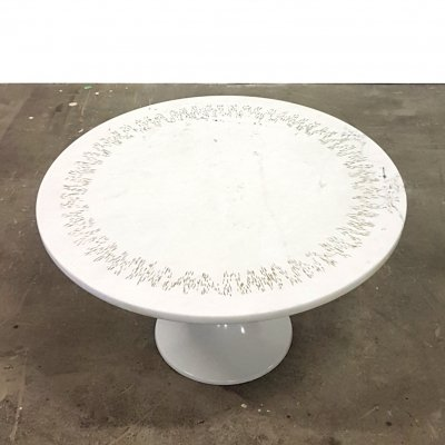 Tulip coffee table with marble top with carved details, 1960s