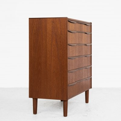 Midcentury Danish chest of 6 drawers in teak with long drawer handle in 2 parts