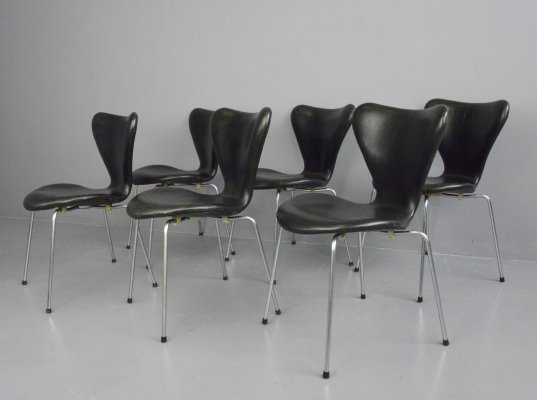 Model 3107 Leather Chairs by Arne Jacobsen for Fritz Hansen, Circa 1960s