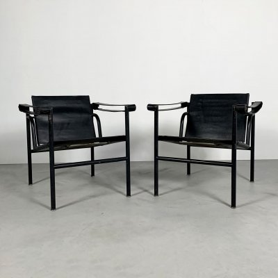 Pair of Full Black LC1 Armchairs by Le Corbusier for Cassina, 1970s