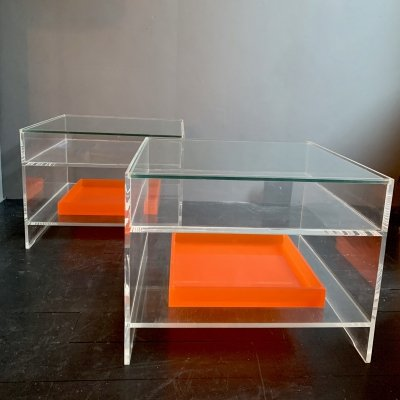 Funky pair of coffee/side tables with serving tray in acrylic & glass, 1970's