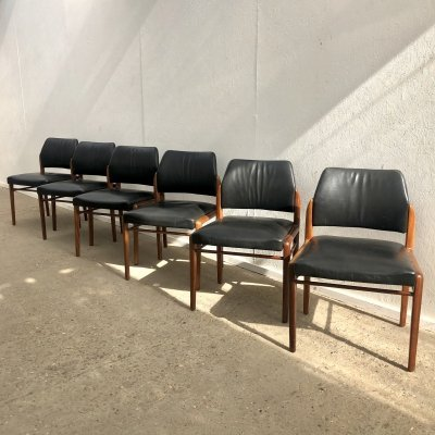Set of 6 teak with black leather dining chairs, 1960s