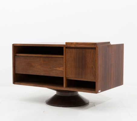 Italian Bar cabinet in walnut by Gianfranco Frattini for Bernini, 1950s