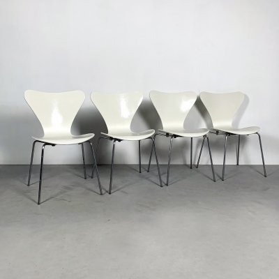 Set of 4 Butterfly Chairs by Arne Jacobsen for Fritz Hansen, 1970s