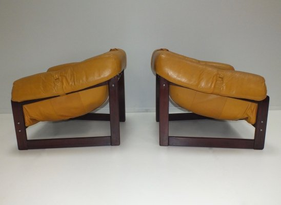 Pair of Brazilian MP-091 armchairs by Percival Lafer for Lafer S.A. 1960s