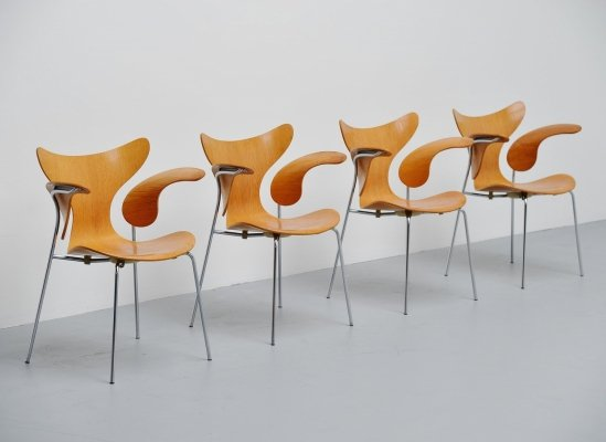 Set of 4 Arne Jacobsen Seagull dining chairs by Fritz Hansen, 1972