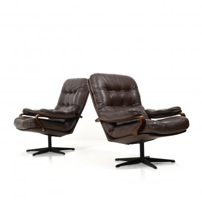 Pair of Danish Swivel Lounge Chairs in brown Leather, 1970s
