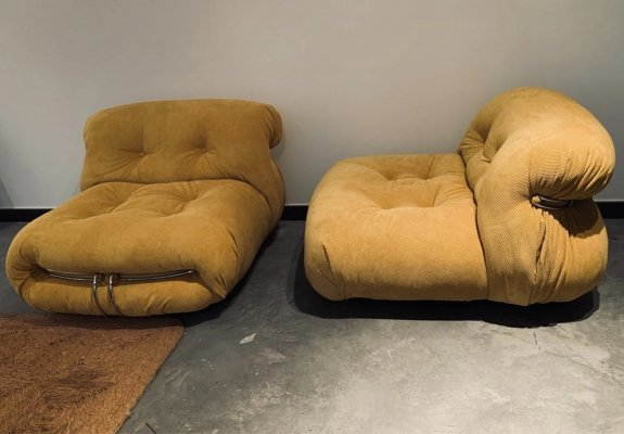 Afra & Tobia Scarpa pair of Soriana goldenrod corduroy lounge chairs, 1970's