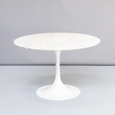 60s marble round table on trumpet foot