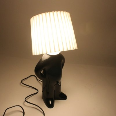 Mr. P table lamp in black with white lamp shade & exciting light switch