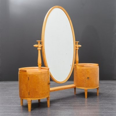 1920s dressing table in maplewood