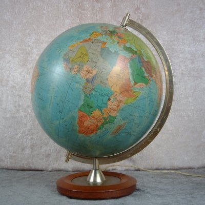 Globe (Finnish/suomi edition) with internal lighting by Hassing Forlag, Copenhagen 1960s
