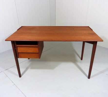 Teak desk by Lammhults Möbler, 1960's
