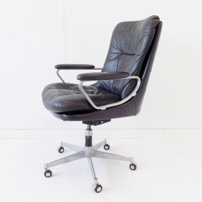 Strässle Gentilina black leather office armchair by Andre Vandenbeuck