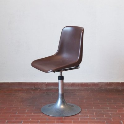 Mid-Century Modern Italian Robin Day Rotating Chair, 1970s