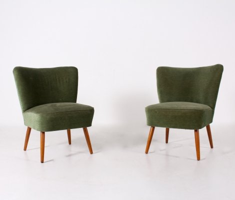 Pair of cocktail armchairs in green velvet, 1960's