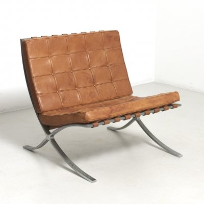 Mid-Century Barcelona Lounge Chair by Ludwig Mies van der Rohe for Knoll Int