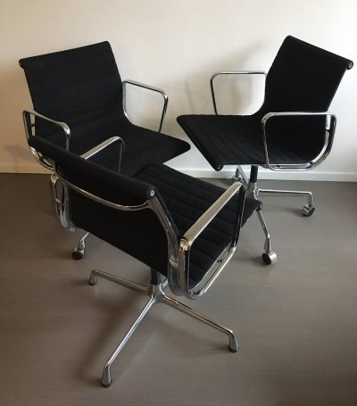 2 x EA105 + 1 x EA117 office chair by Charles & Ray Eames for Vitra, 1980s