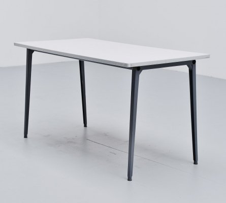 Friso Kramer Reform table by Ahrend de Cirkel, 1955