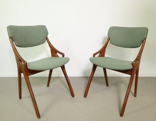 Set of two teak dining chairs, 1960s