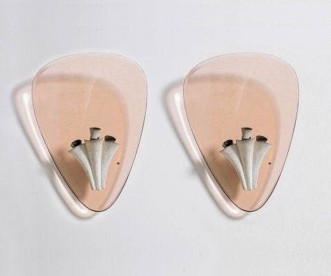 Pietro Chiesa pair of pink wall lamps for Fontana Arte, 1950s