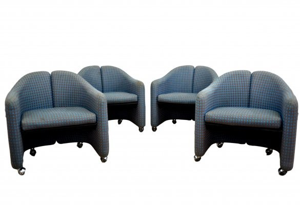 Set of 4 'PS 142' Chairs in original fabric by Eugenio Gerli for Tecno, labeled 1970s
