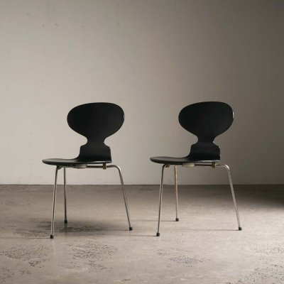 2 Ant chairs by Arne Jacobsen for Fritz Hansen, 1965