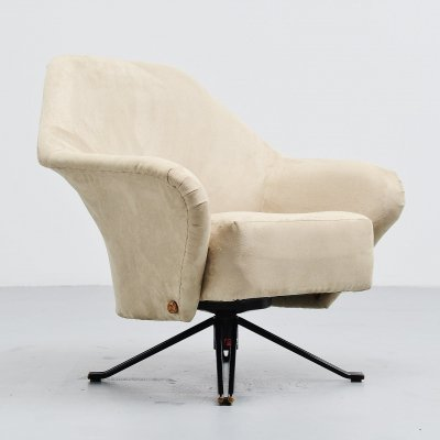 Osvaldo Borsani P32 lounge chair by Tecno Italy, 1956