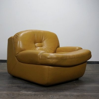 Space Age leather club chair, Italian 1970s