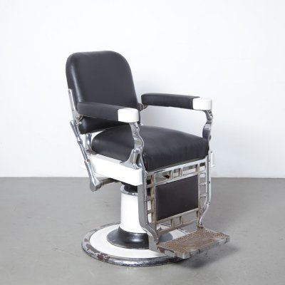 Theo A Kochs Chicago barbers chair