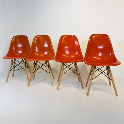 Orange DSW Chairs by Charles & Ray Eames, USA 1977's
