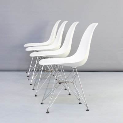 Set of 4 Charles & Ray Eames 'DSR' dining chair for Vitra, 1990s