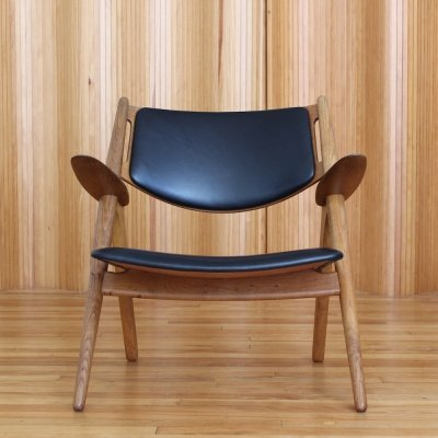 Hans Wegner model CH28 'Sawbuck' / 'Sawhorse' lounge chair for Carl Hansen & Son