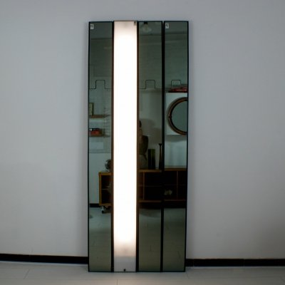 Set of 4 Luciano Bertoncini for Elco 'Gronda' smoked mirrors with coat hanger + 1 light module, Italy 1970's